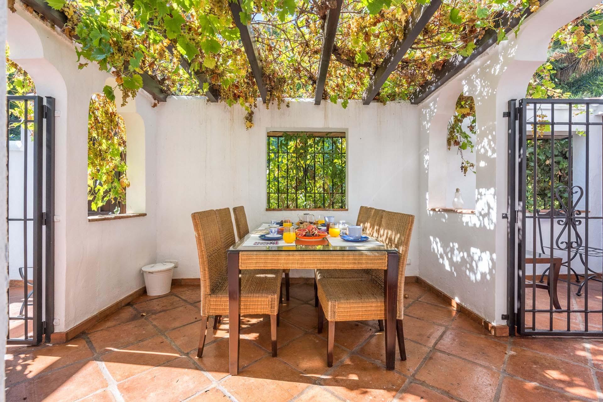 Precioso adosado de 3 dormitorios en la milla de oro de marbella - Alquiler vacacional en marbella ...