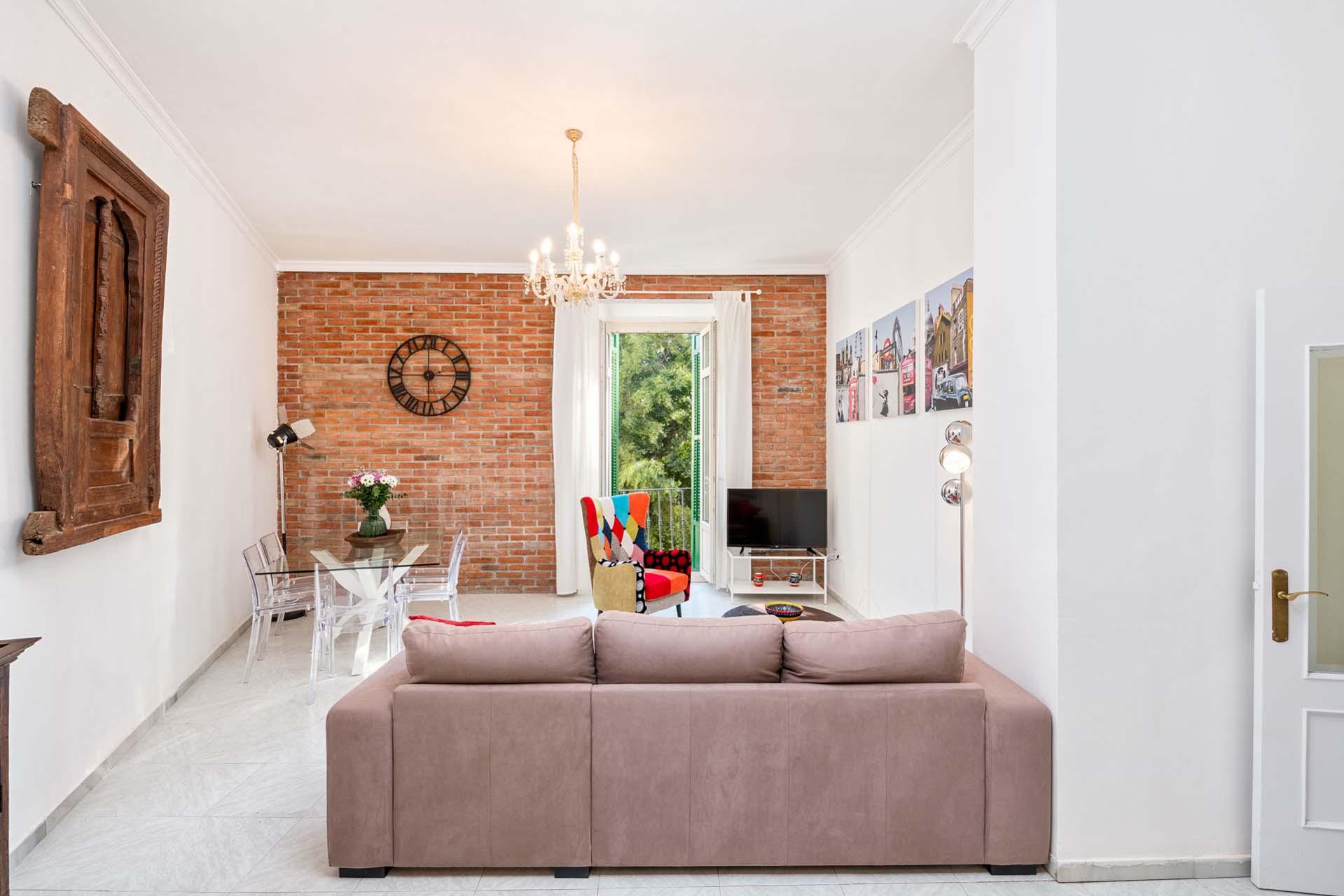 Amplio piso de 3 dormitorios en pleno centro hist rico de for Piso 4 dormitorios teatinos malaga
